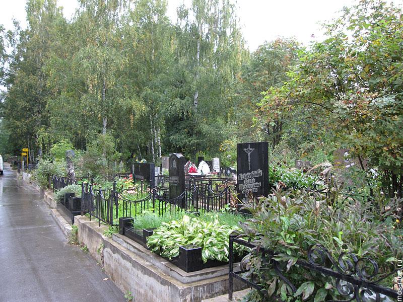 Новохованское кладбище гранитные памятники на кладбище печора