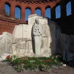 Памятник оставленным могилам
