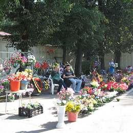 Продажа венков и букетов, Головинском кладбище